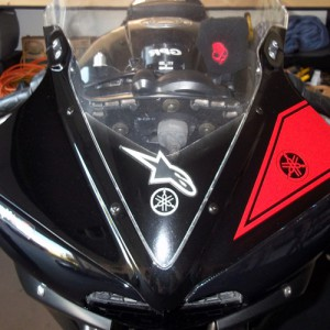 Add a sporty look to your 2006, 2007, 2008, 2009, 2010, or 2011 Yamaha R6s with this vinyl decal headlight stripe.